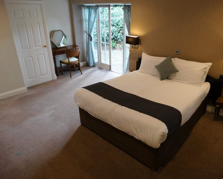 Superior Bedroom. Hotel Wokingham