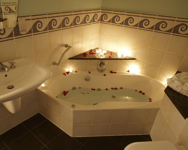 Jacuzzi Bath Cantley House Hotel