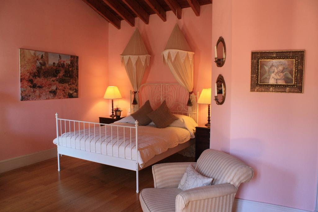 The double bed within the Soller room