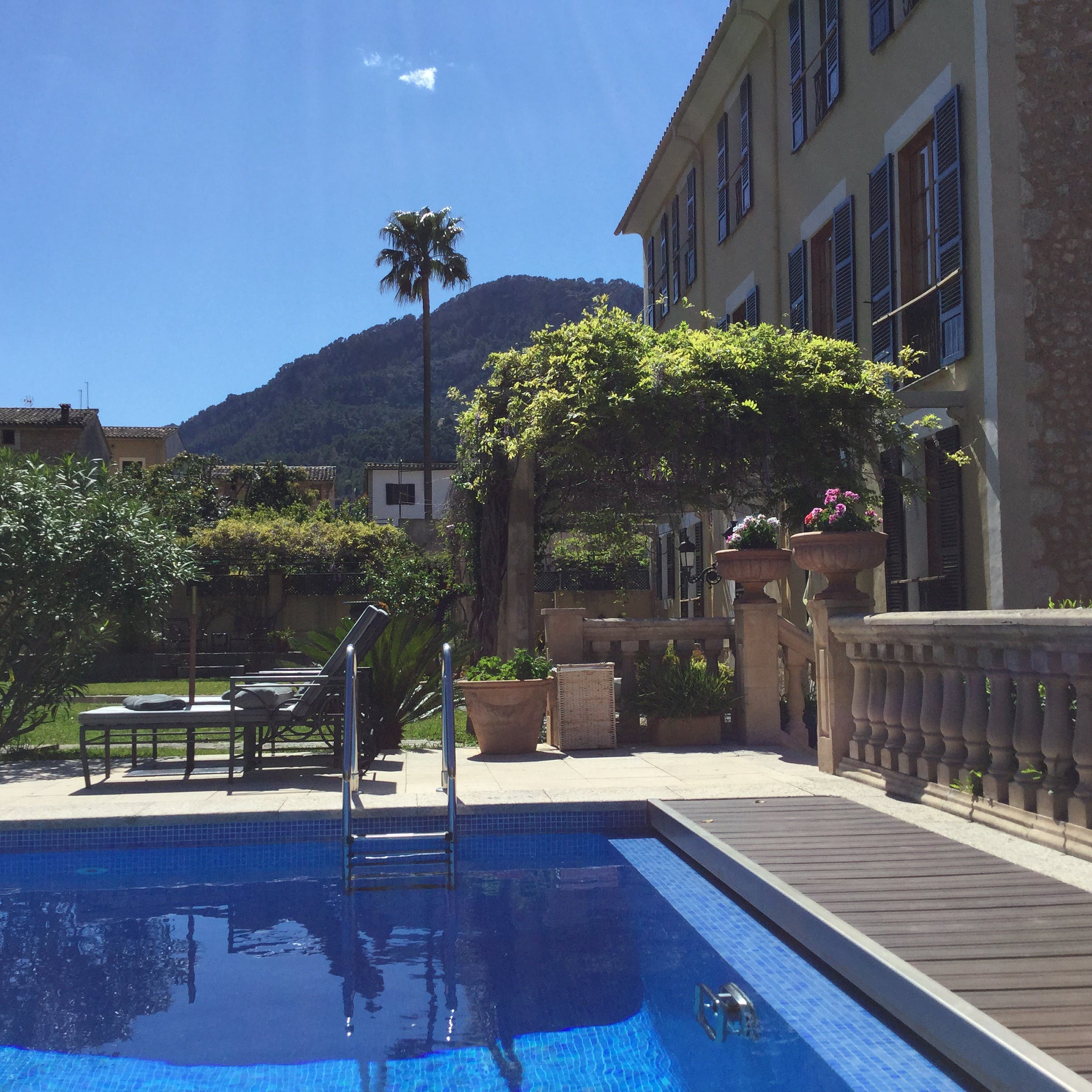 Clear blue skies and mountains viewed from the Salvia Pool