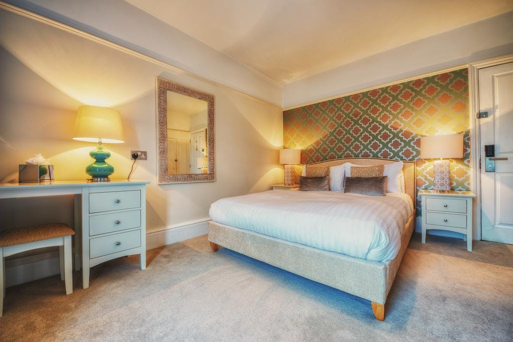 Executive King Room with In-Room Bath | Stattons Boutique ...