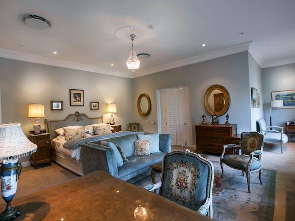 Grand Chateau Suites