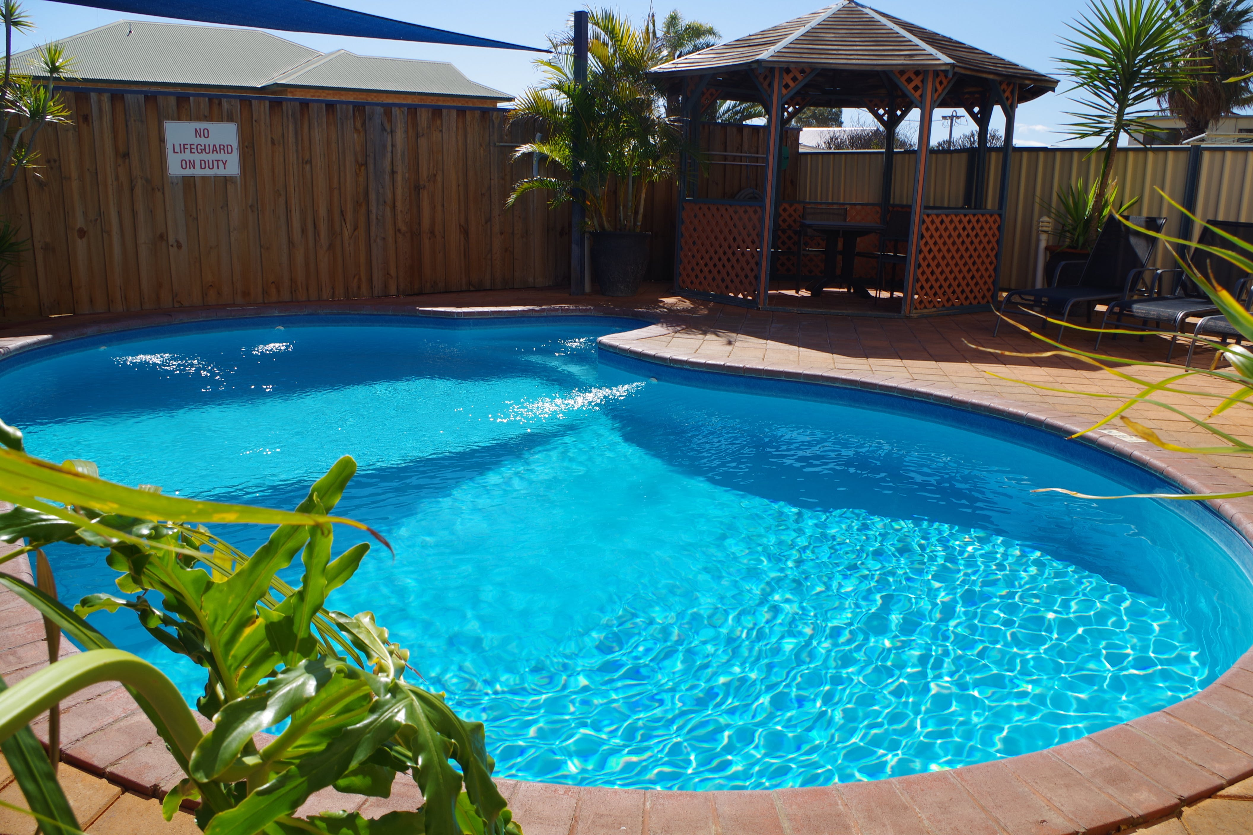 Enjoy warm kalbarri weather at our Kalbarri accommodation with pool which is solar heated.