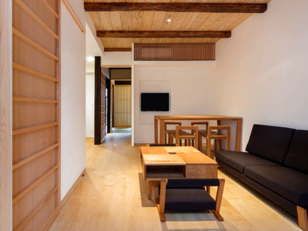 BenTen West Machiya in Kyoto Living Area - Ideal for groups and families