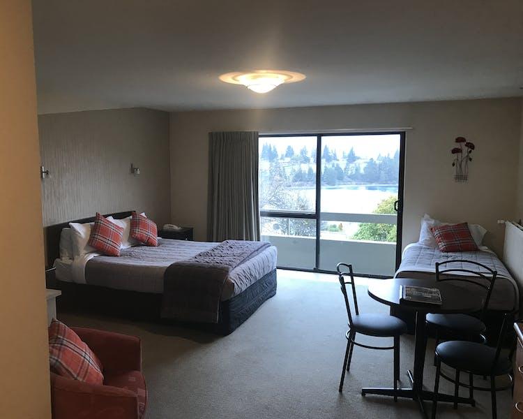 Home | Earnslaw Lodge Motel