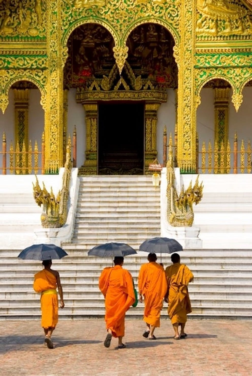 Wat Xiengthong Luang Prabang monks