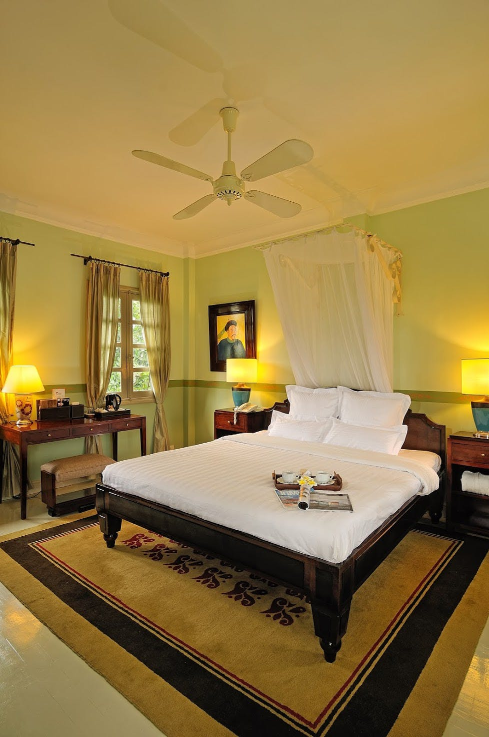 Villa Maly superior room king bed