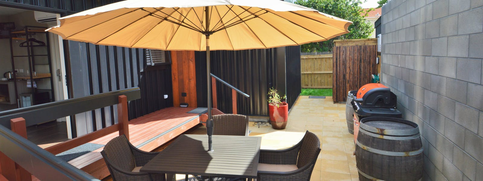 Courtyard with outdoor setting & BBQ