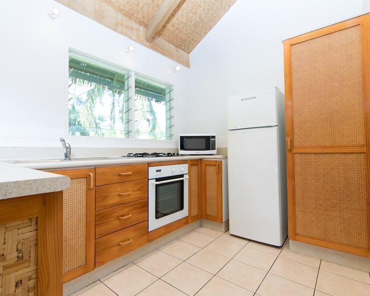 2 Bedroom/1 Level Villa Kitchen