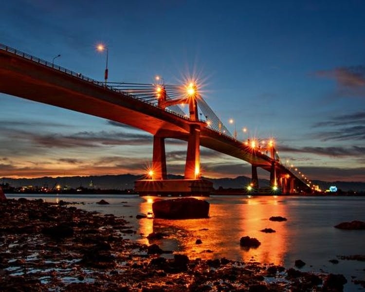 Marcelo Fernan, the bridge connecting Mandaue to Lapu-Lapu City.