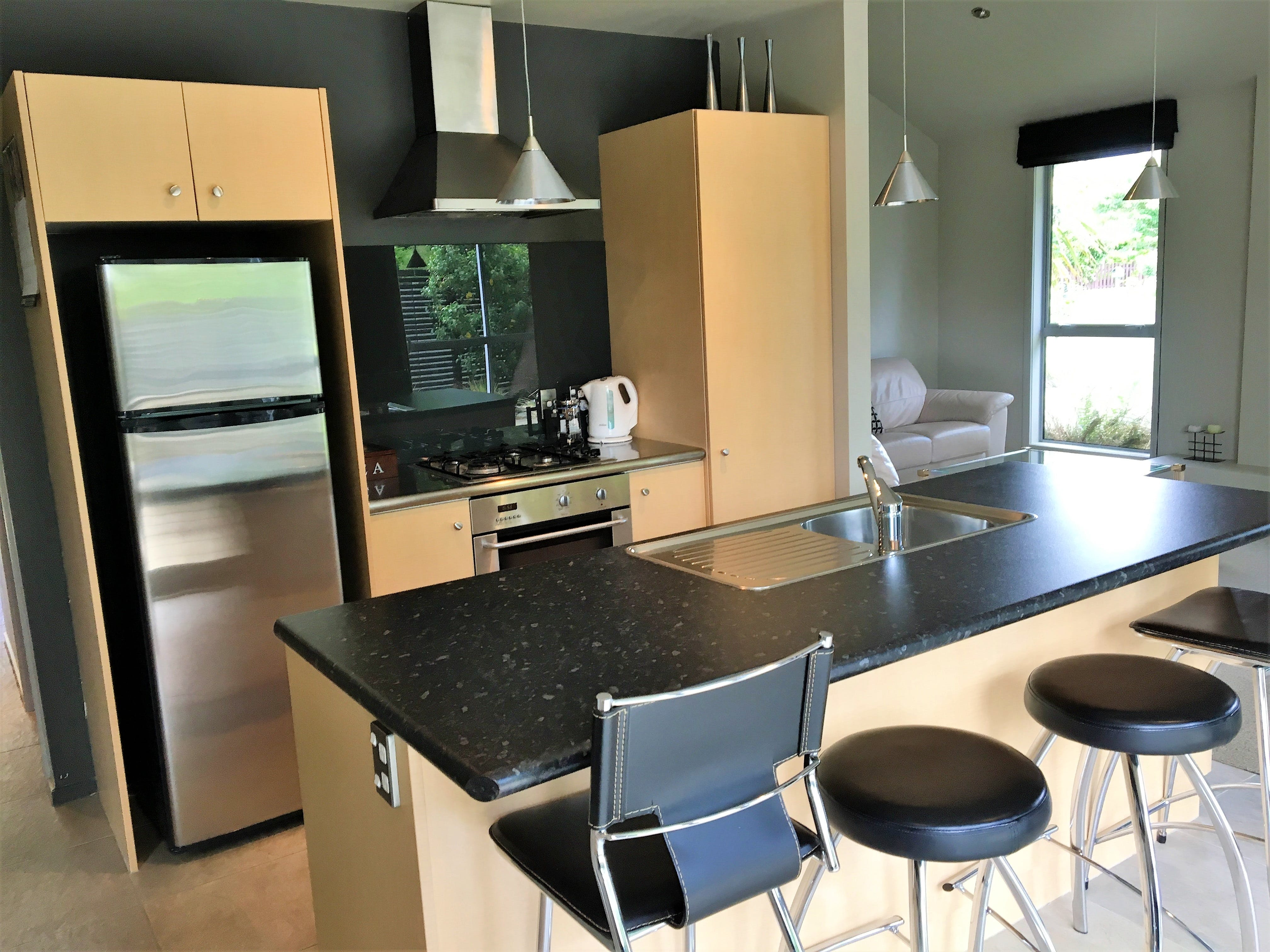 3 bedroom townhouse kitchen
