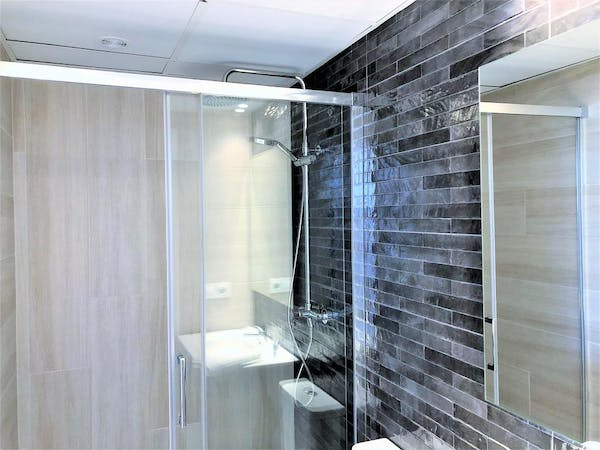 Beautiful new contemporary bathrooms enhance all rooms