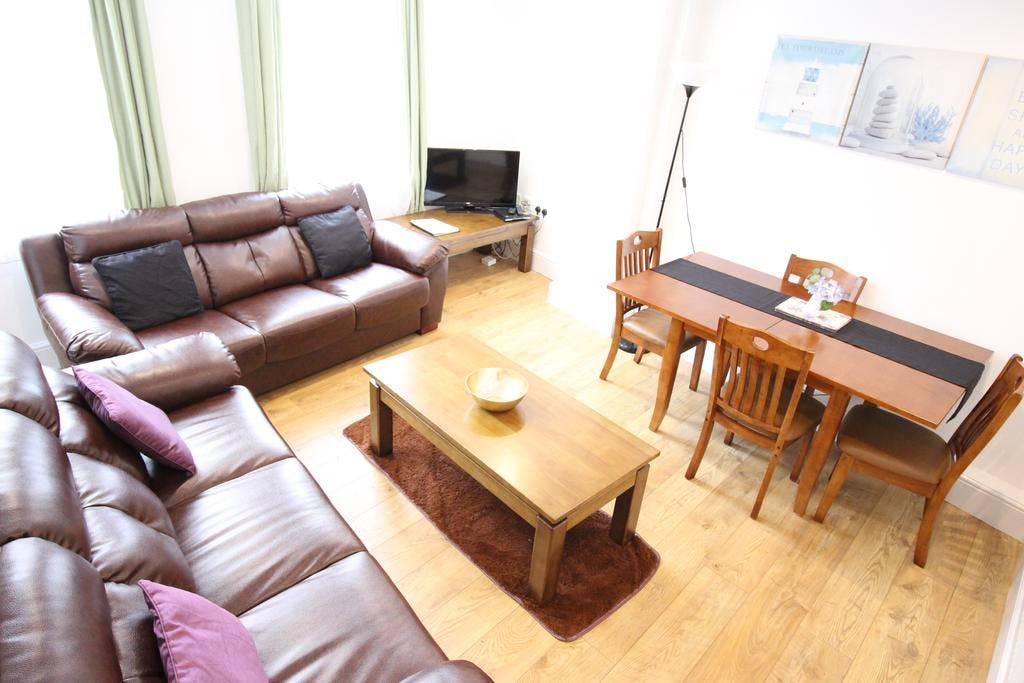 Three bedroom Two bathroom Apartment - Living/Dinning room