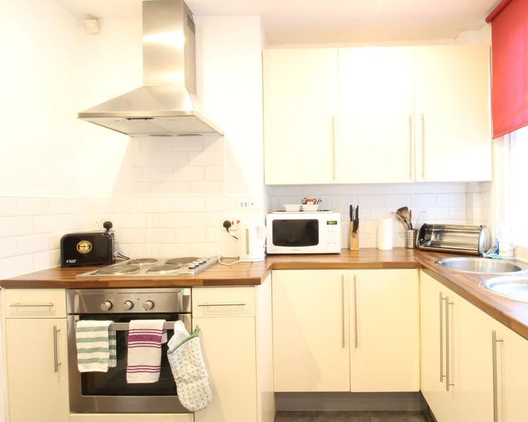 Three bedroom Economy Apartment - Kitchen