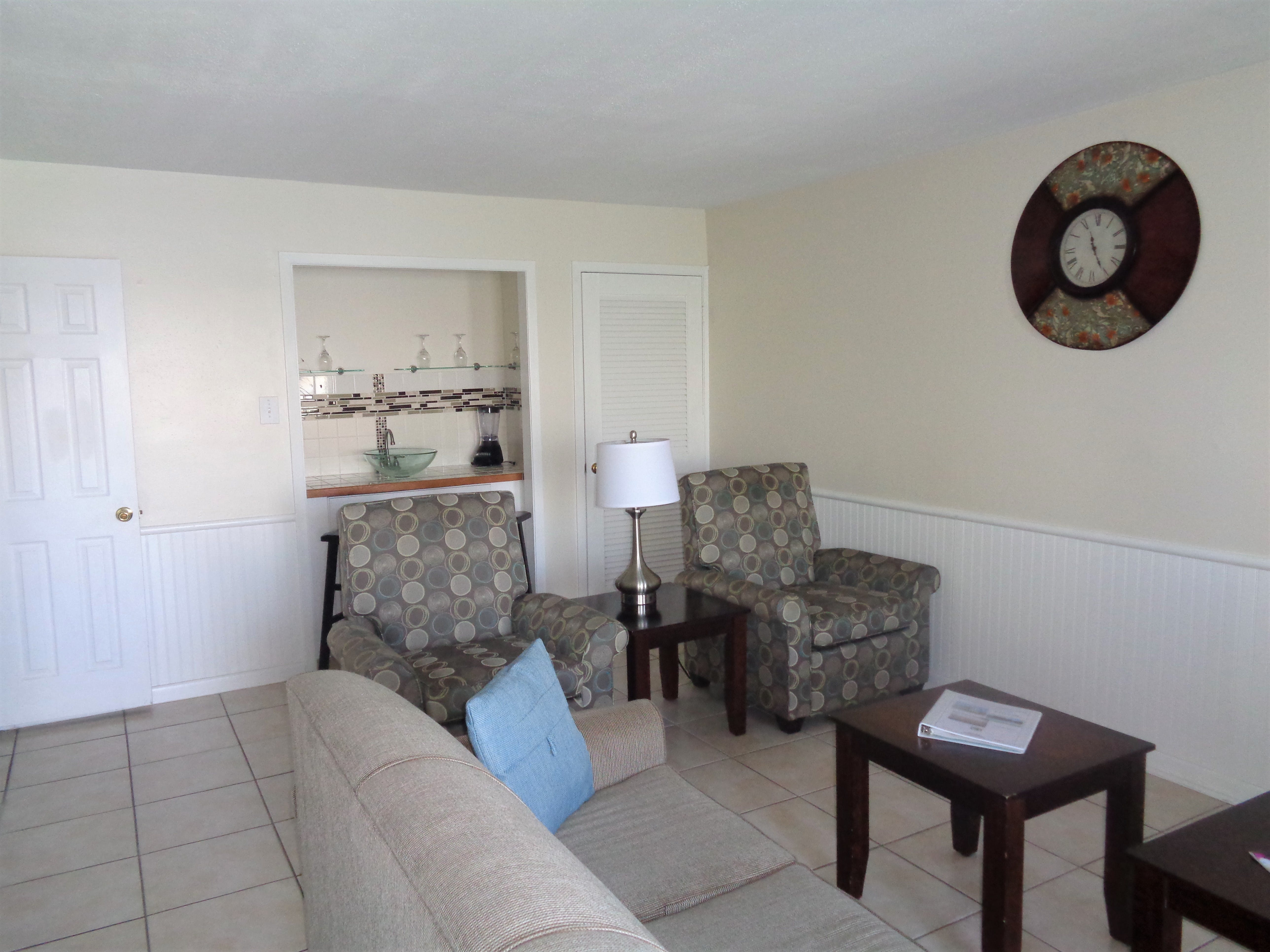 3BR Townhouse - Living Room
