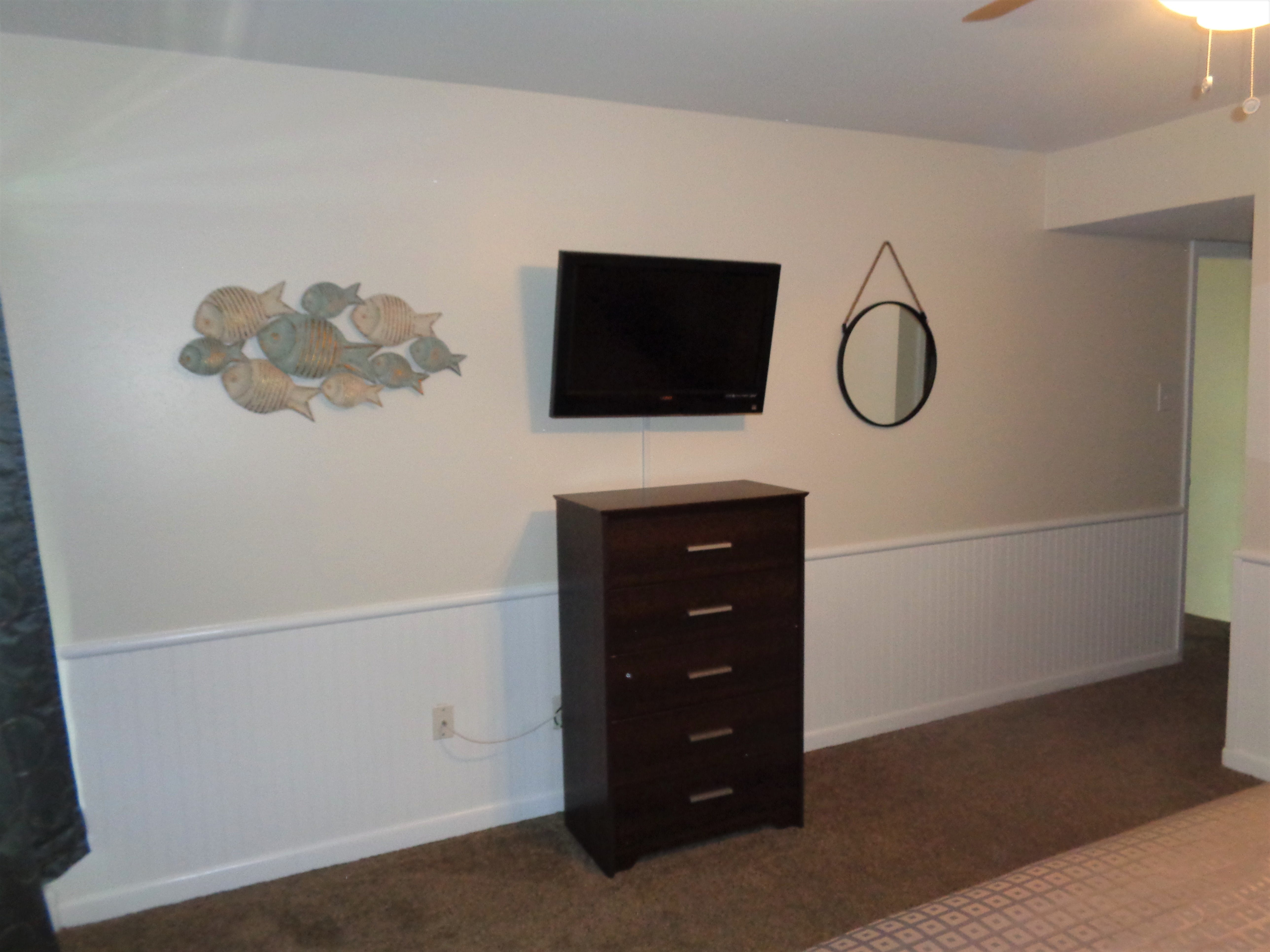3BR Townhouse - Master Bedroom TV