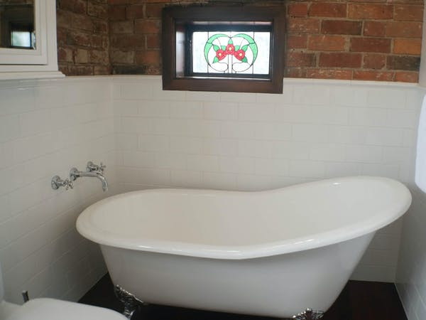 Stables Apartmentbath, Bon Accord B&B in Sale, Gippsland.