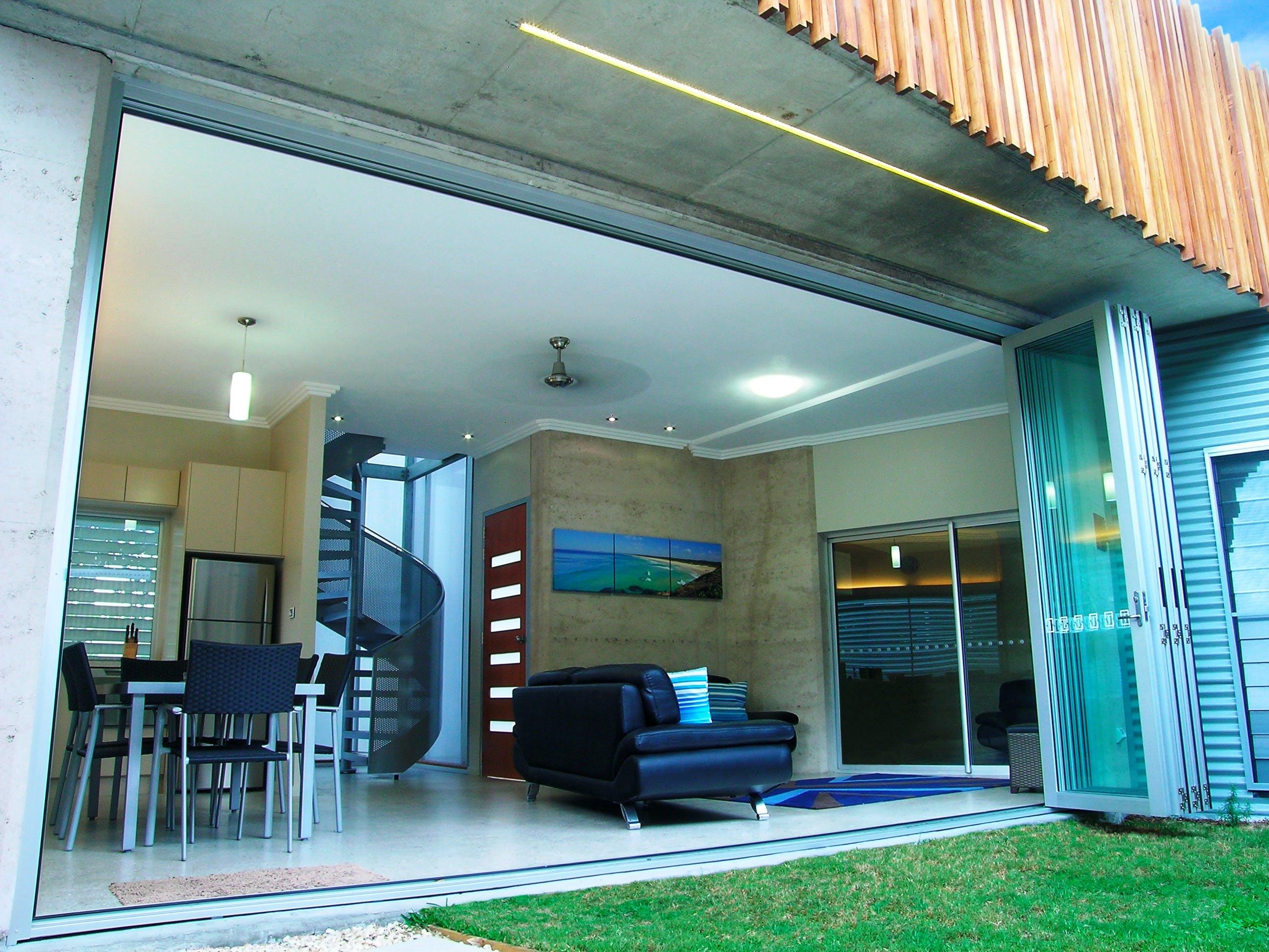 Villa 1 | Sun Worship - Crescent Head Accommodation