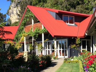 Luxury Lodge, Golden Bay. Ratanui Lodge. 1