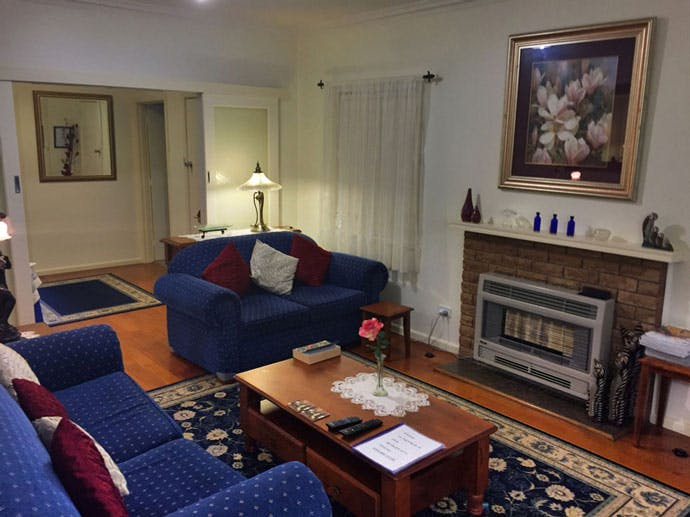 Admurraya House Rutherglen Accommodation Lounge Room