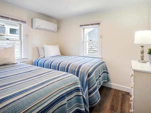 Truro Beach Cottages - Cottage #6 - bedroom