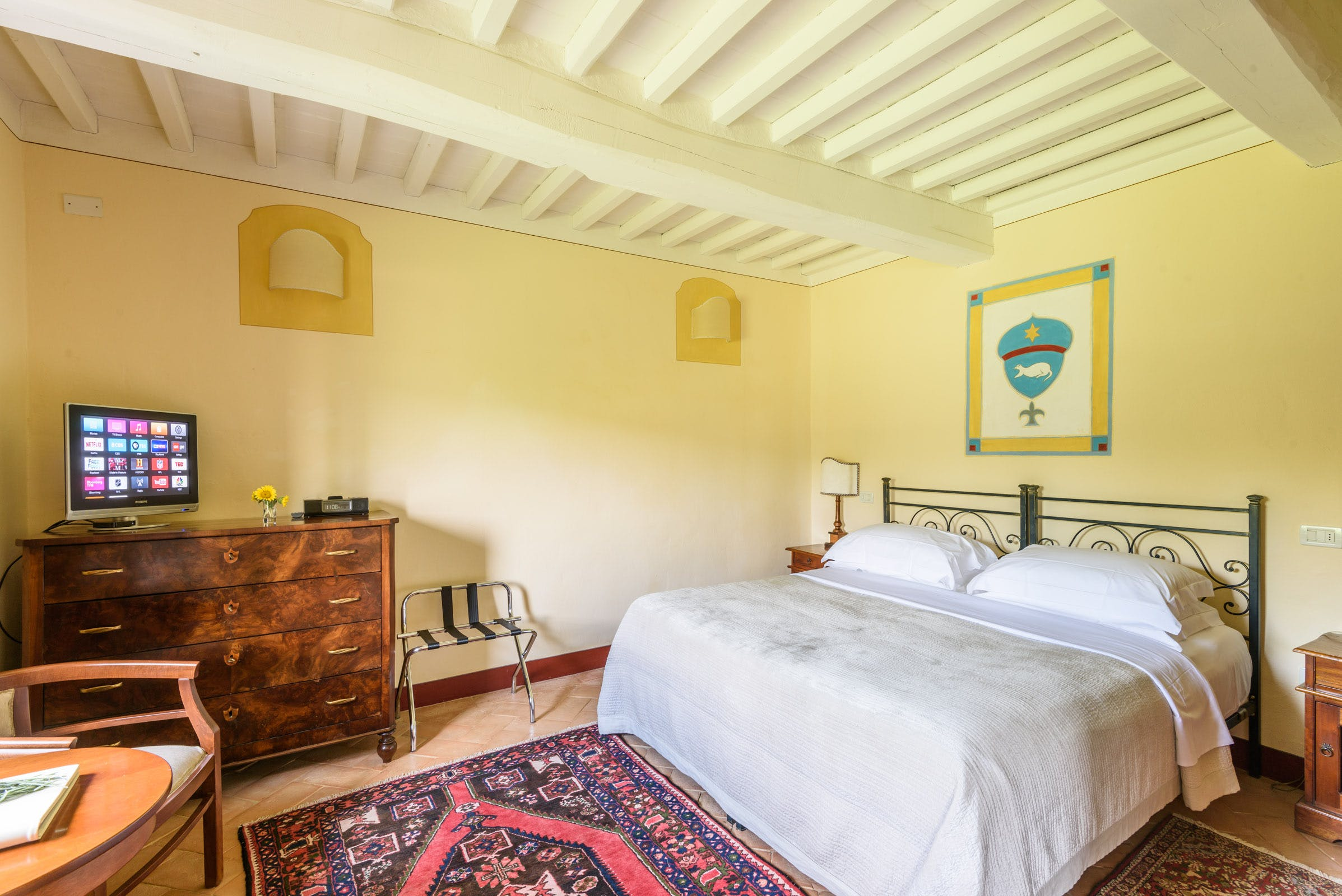 Casa Portagioia Tuscany bed and breakfast , Venanzi Garden double bedroom , seating and table overlook gardens