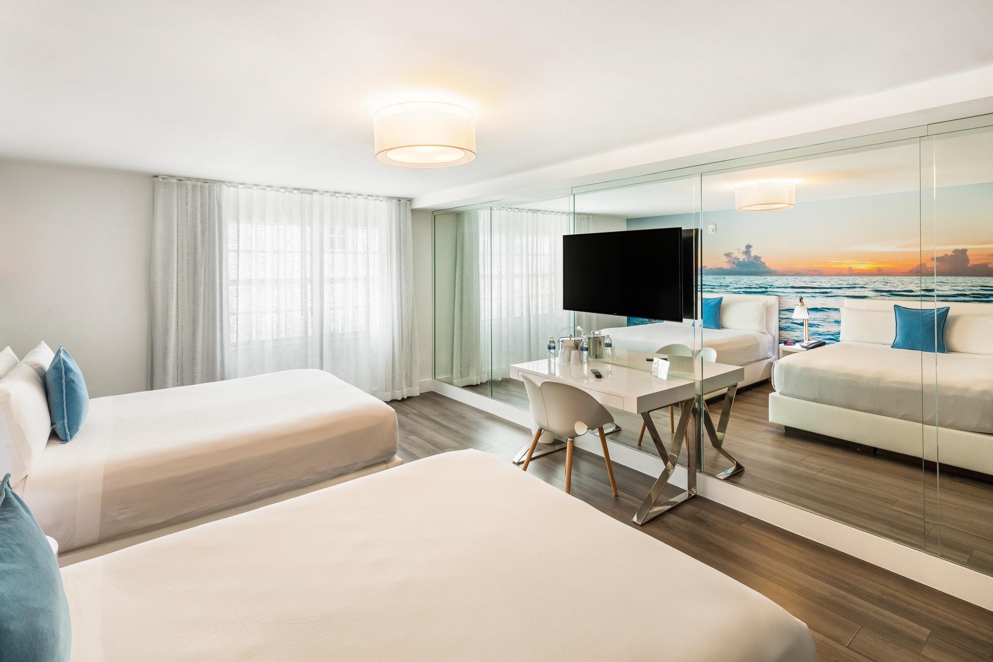 Deluxe Room With 2 Queen Beds President Villa Miami Beach