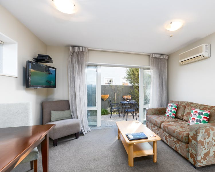 two bedroom apartment chelsea park motor lodge rooms lounge Nelson