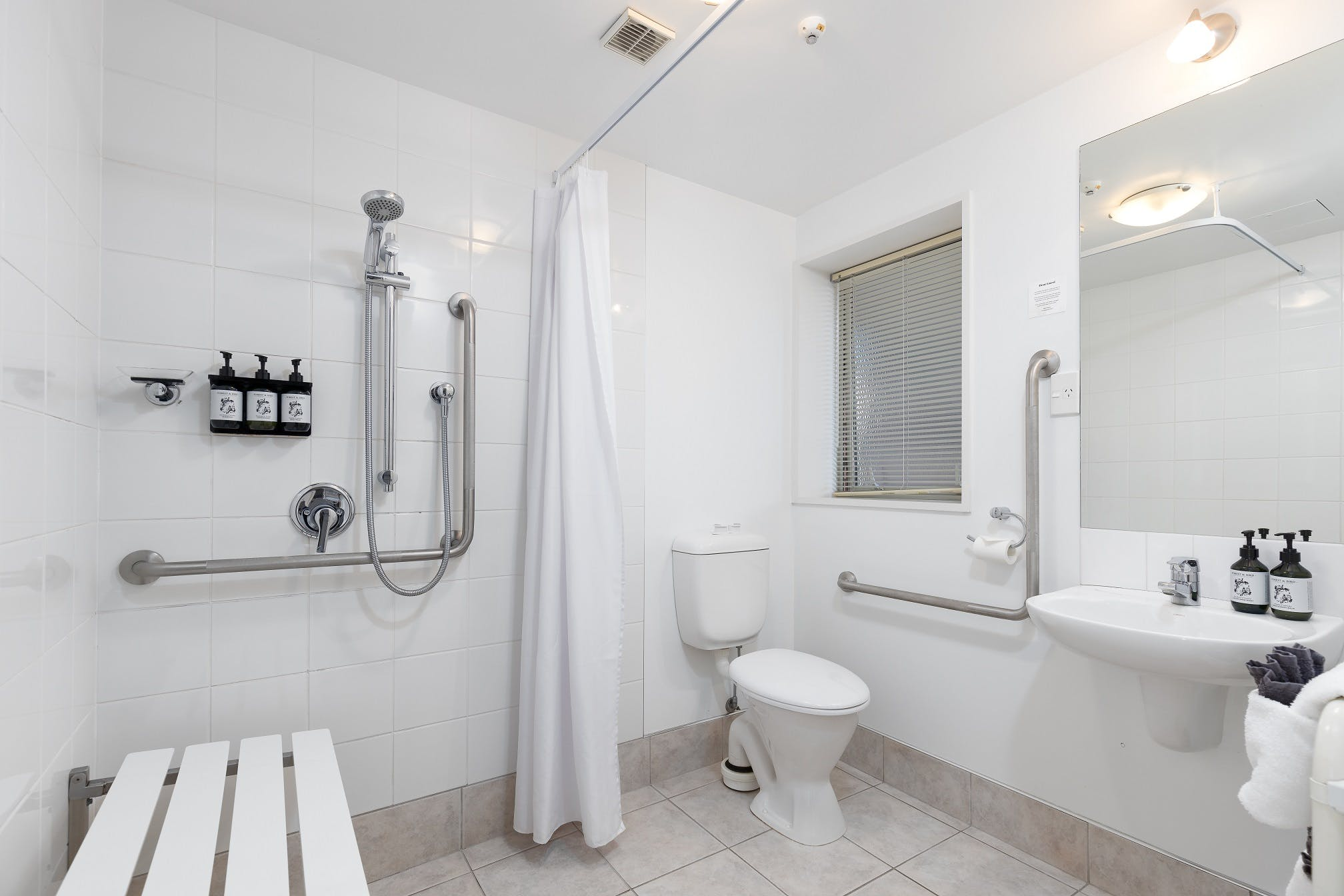 one bedroom access apartment studio chelsea park motor lodge rooms bathroom Nelson