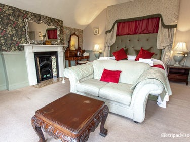 Affordable QualityComfortable & Beautiful Rooms   Friendly Service   Tasty  Breakfasts.