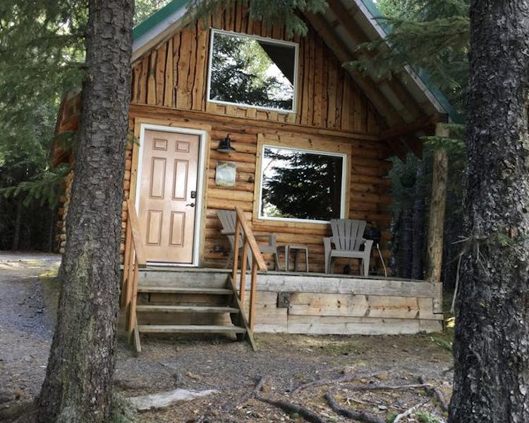 Lakeview Cabin front