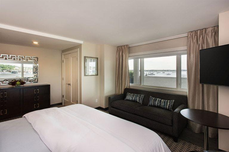 The Starboard, a king bedded room with a view of Manhasset bay