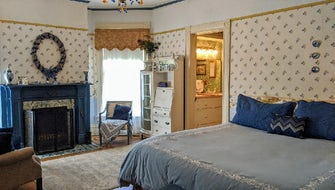 Deluxe King Room, 1 King Bed, Fireplace