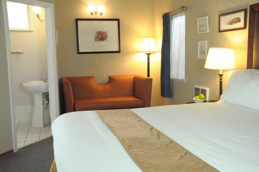 California king bed, pillow, comfortable bed, sleep, bodega bay inn