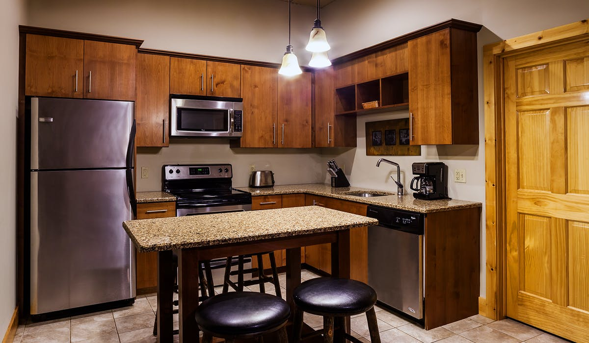 Two Bedroom Executive Condo | Eagle Ridge Resort