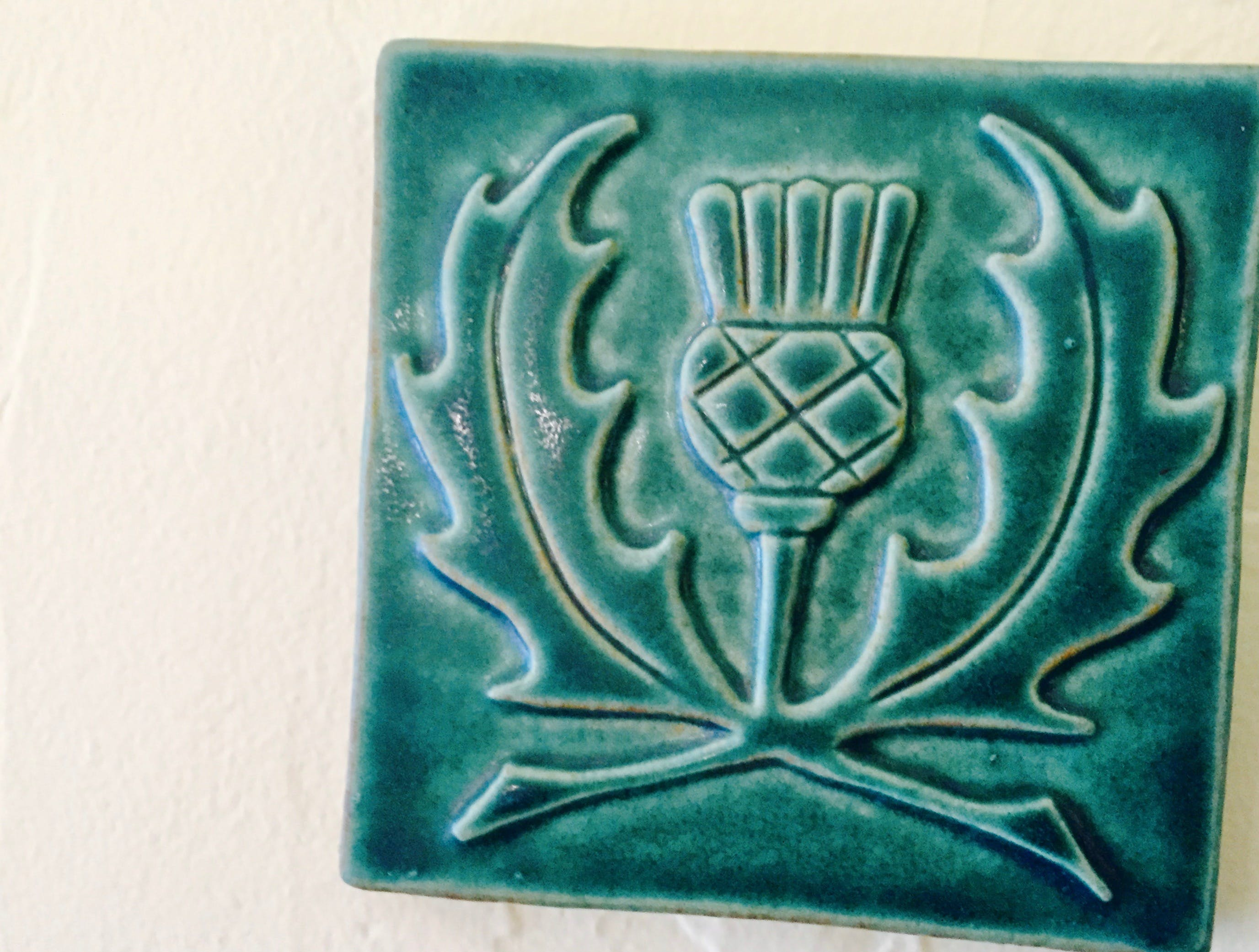 Celtic tile, Thistle.