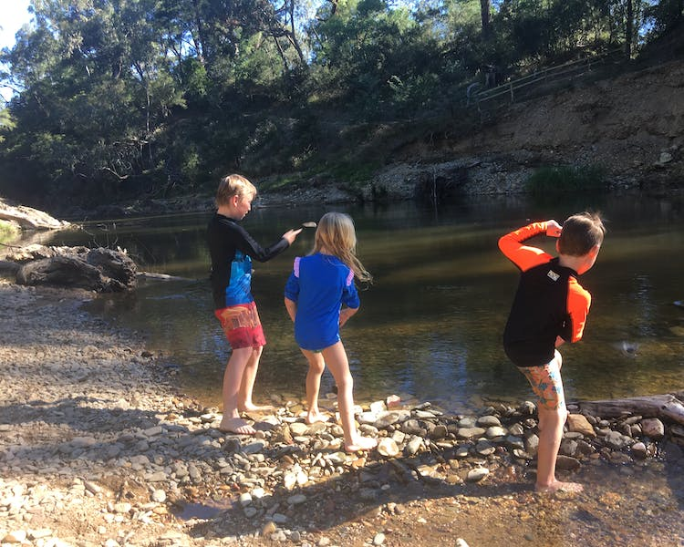 Rock skimming in the Ovens River, Bright
