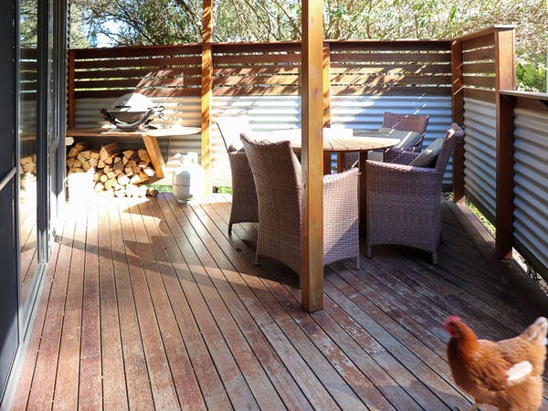 Karma Kinglake Nest 4 Deck with outdoor setting and Webber BBQ